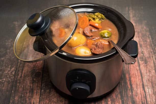 rice cooker vs slow cooker: slow cooker